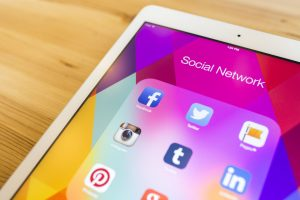 Seven Simple But Awesome Social Media Tips To Grow Your Business